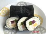 김밥을 쏙 빼닮은 이색 롤 케이크