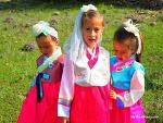 아이들 한복 입히고 마음껏 봄을 즐기면서 사진찍기