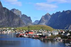 노르웨이 여행: 로포텐제도 레이네, 바다위의 알프스