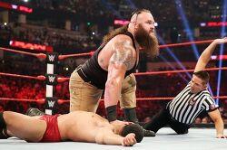 WWE 요즘 한창 뜨고 있는 빨때맨 브라운 스트로우먼