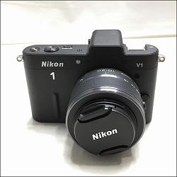 니콘 V1