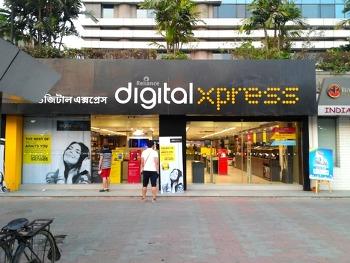 콜카타에서 전자기기를 구입하러 갔던 Digital Express