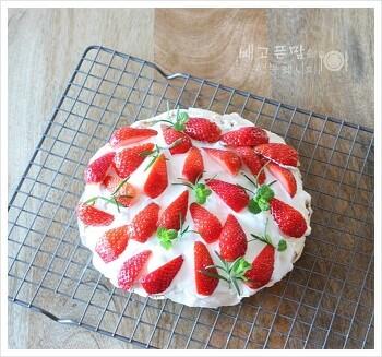 화이트데이, 딸아이를 위한 머랭딸기케이크, 밀가루 없는 머랭딸기케이크