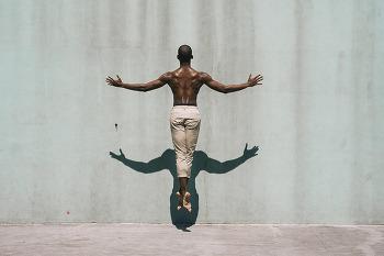 댄서를 실내가 아닌 실외로 탈출시킨 사진작가 멜리카 데즈(Melika Dez)