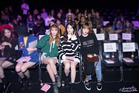 161020 2017 S/S 서울패션위크 (Seoul Fashion Week) - CRES.E.DIM 헬로비너스 포토월 단체 직찍 by 아데스
