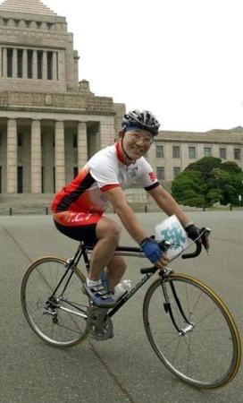 '자전거 사고'에 걸려 넘어진 아베 정권