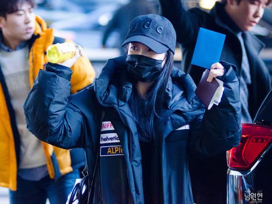 160203 아이유님 인천공항 입국 직찍 by 남원현