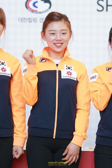 컬링 여자국가대표 신세계백화점 팬사인회 이슬비 선수 평창올림픽 sbs 컬링 해설위원