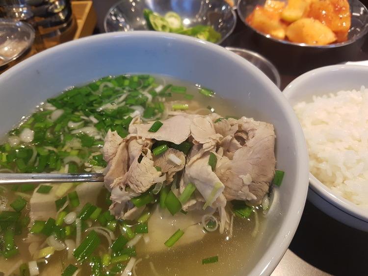 [★★☆] 가볍게 즐기는 돼지국밥 한 그릇의 여유, 여의도 광화문 국밥