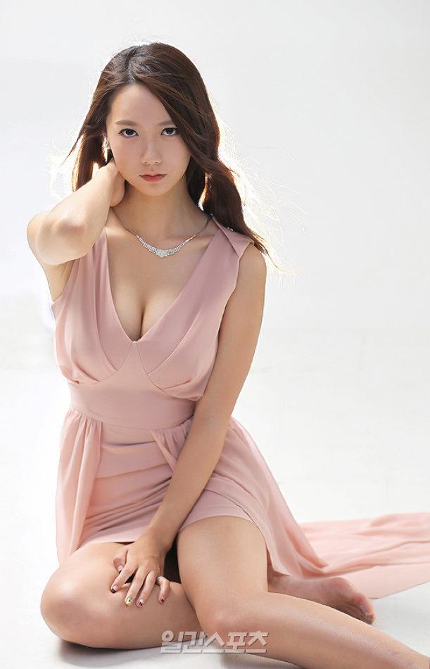 롤 여신 온게임넷 권이슬 아나운서