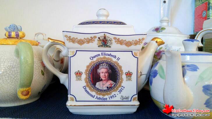Queen_Elizabeth 2
