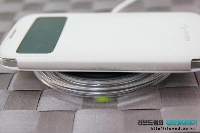 갤럭시S4 S뷰 커버 무선 충전
