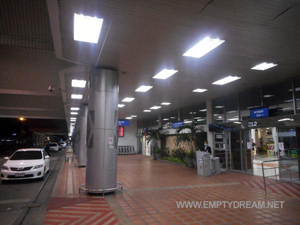 치앙마이 공항 걸어가기