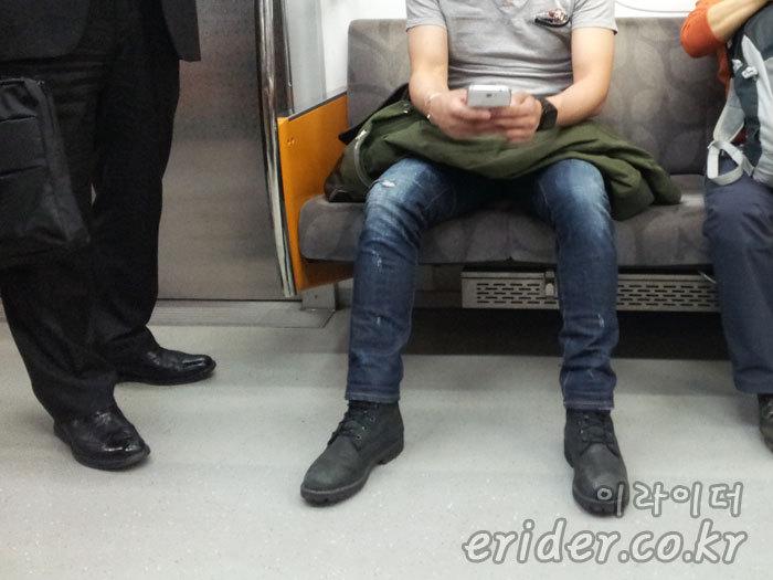 지하철 요금 두배로 내면 두자리에 앉아갈 수 있을까? (부제: 지하철 2인분)