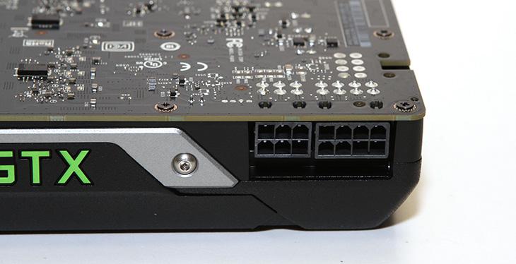 MSI GeForce GTX Titan X 후기, BattleField4 프레임,MSI,GTX Titan X,타이탄X,IT,IT 제품리뷰,후기,사용기,MSI GeForce GTX Titan X 후기 및 BattleField4 프레임 측정을 해보도록 하겠습니다. GEFORCE GTX TITAN 는 Nvidis Maxwell 아키텍처를 기본으로 되어있습니다. 12GB의 메모리의 방대한 메모리 양과 384 bits 로 처리되는 메모리 버스로 고해상되의 화면에서 MSI GeForce GTX Titan X는 상당히 좋은 모습을 보여줍니다. 맥스웰 기반의 코어는 3072코어를 활용해서 아주 많은 작업을 동시에 처리할 수 있습니다. SLI등의 연결에서도 보다 좋은 모습을 보여줍니다. 컴퓨텍스에 가서도 타이탄X가 전시된것을 많이 봤었는데요. 지금 이슈가 되고 있는것은 타이탄X와 980ti 입니다. 물론 MSI GeForce GTX Titan X 는 상징적인 의미가 있습니다. 가장 빠른 그래픽카드라는 이름 TITAN 이라는 상징적인 의미가 있죠.