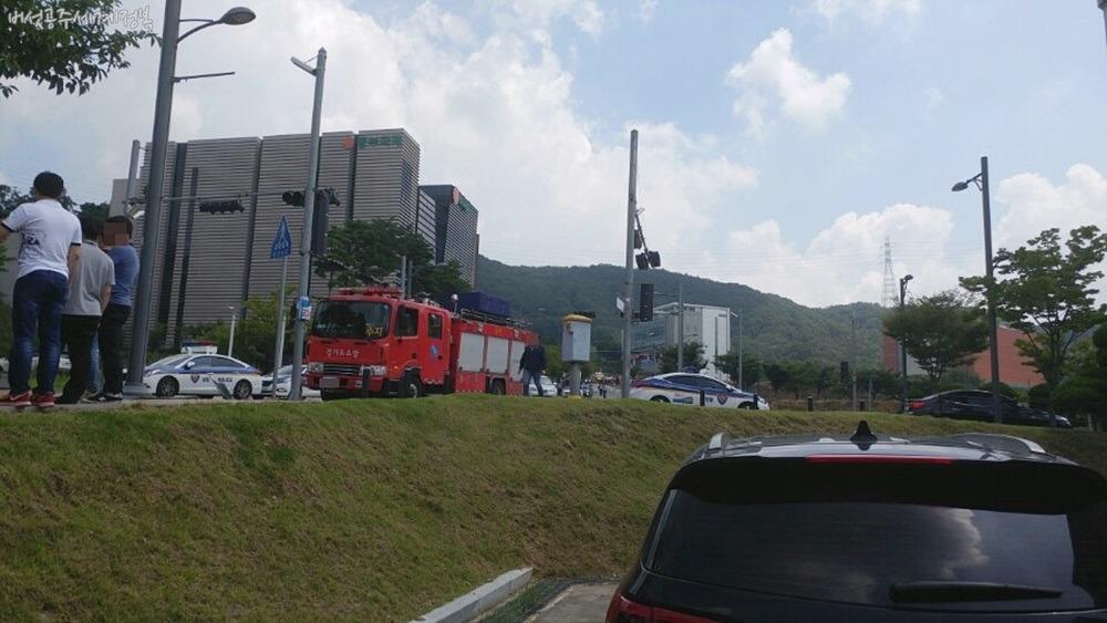 내리막길 버스 사고, 회사 점심식사 가다 날벼락! 1명 사망, 6명 부상