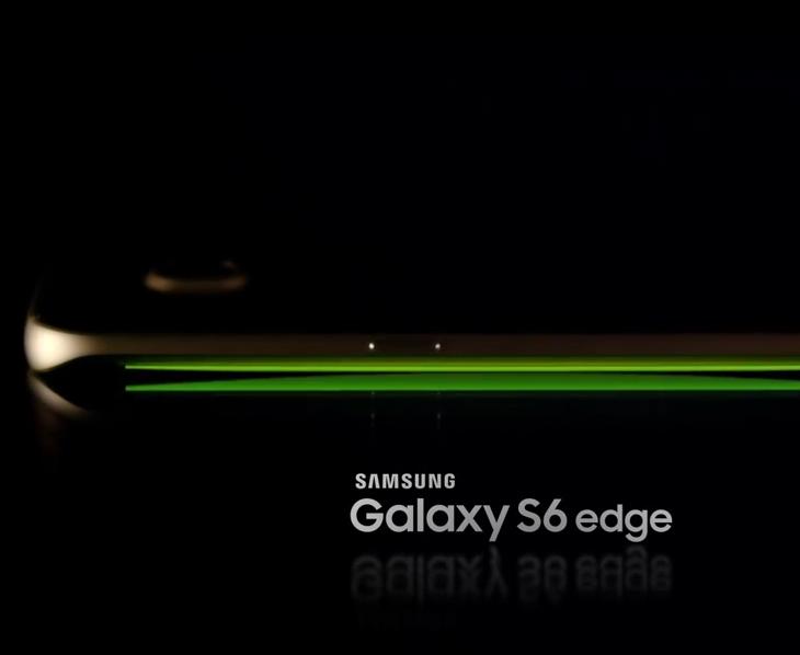 갤럭시S6 갤럭시S6 엣지 프리뷰,갤럭시S6 기능, 빨라진 속도와 기능추가,갤럭시S6 스펙,디자인,IT,IT 제품리뷰,후기,프리뷰,갤럭시S6 후기,갤럭시S6 갤럭시S6 엣지 프리뷰 및 기능 그리고 스펙에 대해서 살펴보겠습니다. 빨라진 속도와 기능추가가 눈에 띄는데요. 스펙은 기존과 비슷해보이지만 열어놓고 보면 그렇지 않습니다. 카메라부분와 스펙부분 그리고 인터페이스부분에서 모든 부분에서 진전이 있었습니다. 갤럭시S6 갤럭시S6 엣지 프리뷰를 보면 아시겠지만 디자인 부분도 상당히 좋아져서 많은 네티즌들이 좋은 평가를 내어놓고 있습니다. 그동안 디자인에 큰 변화가 없다고 말이 많았는데요. 물론 아주 큰 디자인은 비슷하지만 엣지를 그대로 살린 부분이나 그리고 언터페이스 및 측면의 금속재질 등 사용자가 좋아할만한 요소들을 계속 이어나가고 있습니다.갤럭시S6 갤럭시S6 엣지 프리뷰를 하면서 눈에 띄는 큰 특징만 적어보면, 배터리가 일체형이 되었고 이제는 무선충전을 별도의 케이스없이 자체적으로 지원을 합니다. 무선충전은 표준인 WPC와 PMA 인증을 모두 다 인증한 이유로 전용 충전기 및 다른 무선충전기로도 충전이 가능해보입니다. 갤럭시S5 사용할 때부터 무선충전이 편해서 계속 쓰고 있는데 이제는 더 편해질듯 싶네요. 카메라 스펙 부분도 좀 더 보강이 되었고 아주 빠르게 카메라를 실행해주는 기능이 추가가 되었습니다. 스펙부분에서도 옥타코어(2.1GHz 쿼드 + 1.5GHz 쿼드)를 사용했으며 램도 이제는 LPDDR4로 규격이 올라갔습니다. 앞으로 나올 64비트 운영체제를 좀 더 재대로 지원하기 위한 하드웨어적 보완으로 보입니다.