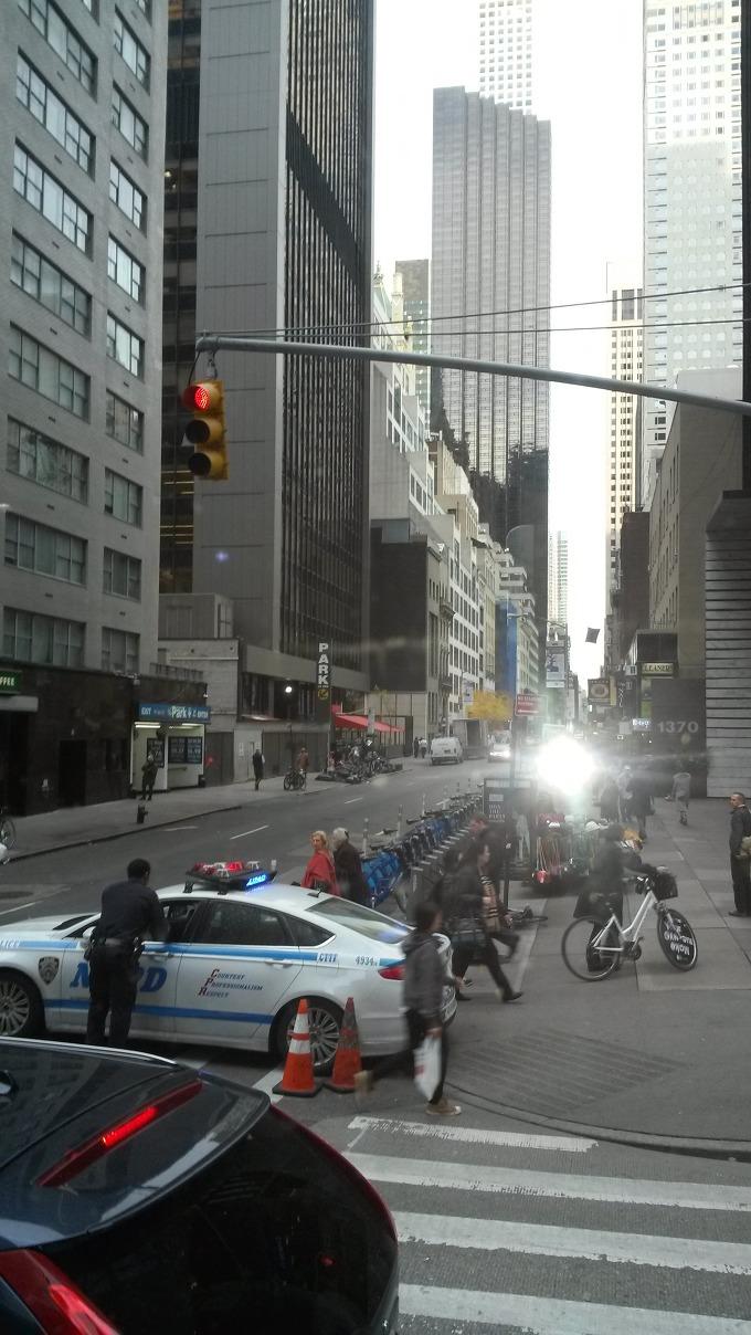 도널드 트럼프가 대통령에 당선되자 백악관 경호실과 뉴욕경찰이 트럼프의 거처 및 선대본부가 위치한 맨해튼 56가, 5애비뉴 트럼프타워일대의 일부 교통을 통제했다.[맨해튼 6애비뉴에서 5애비뉴로 항하는 56가의 차량통행은 완전금지된 모습]