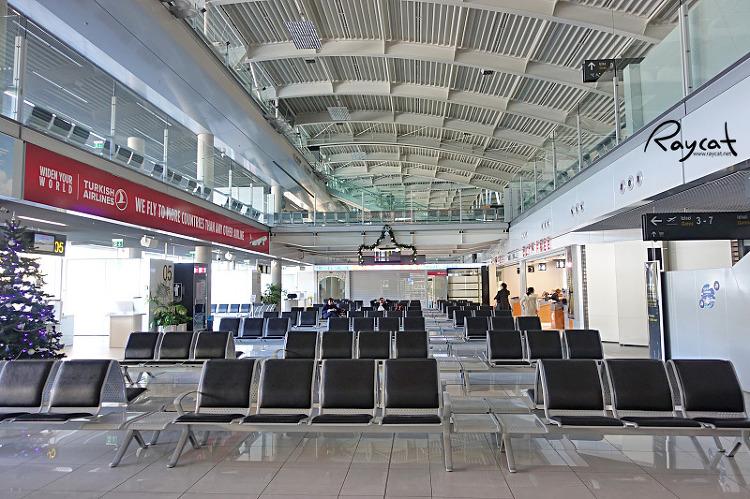 두브로브니크 공항 출국장