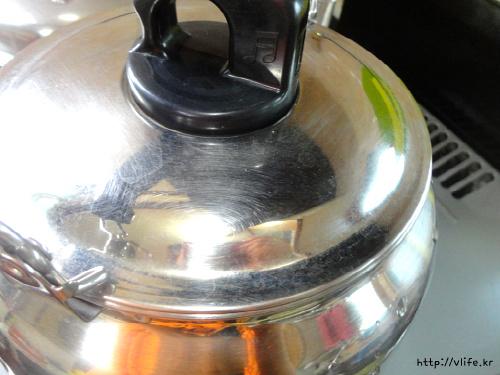 솥 없을때 옥수수 찌는법